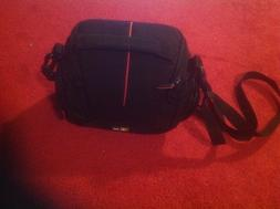 Case Logic DCB-304 Compact System/Hybrid Camera Case  Excell