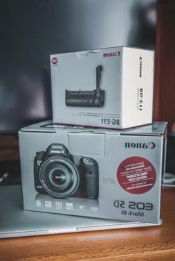 Canon EOS 5D Mark III DSLR Camera with Canon BG-E11 Battery