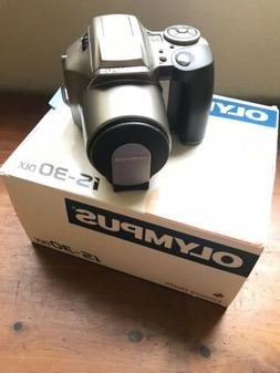 Olympus IS-30 DLX 35mm SLR Film Camera Analog Photography NE