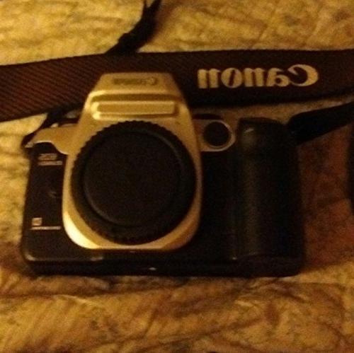 Canon EOS Elan IIe 35mm SLR Camera