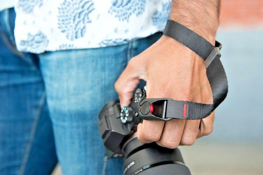 Peak Design Cuff Wrist Strap in Charcoal BNIB