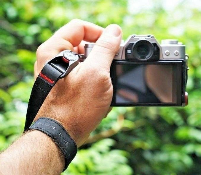 Peak Design Camera Wrist Quick in Charcoal
