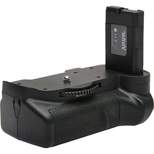 Nikon D5600 Wi-Fi SLR Camera VR & AF-P Card + Case Flash + Battery Charger Tripod