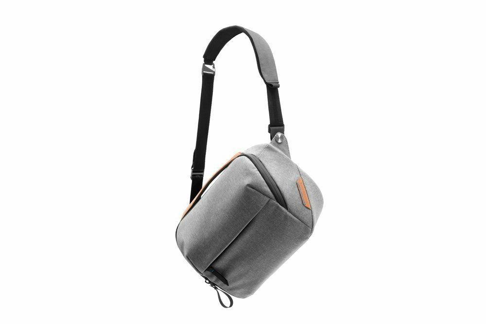 Peak Design 5L Ash. Premium Camera Bag