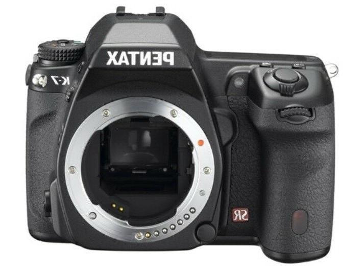 Pentax 14.6MP SLR Camera Bundle Lens